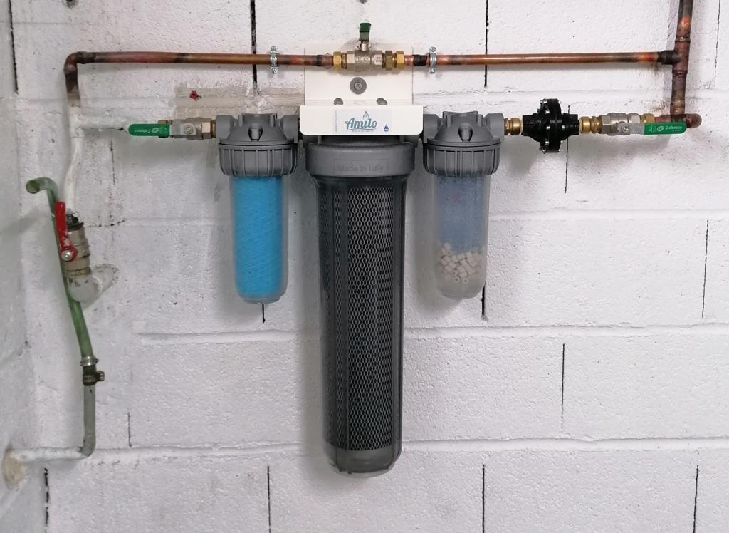 Filtre à eau Amilo pour habitation en fonctionnement